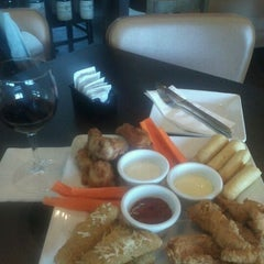 Photo taken at Ruby Tuesday by romulo c. on 9/3/2011