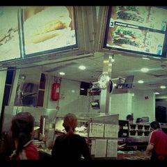 Photo taken at Burger King by Mattu R. on 6/7/2012