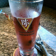 Photo taken at BJ's Restaurant and Brewhouse by Alice K. on 3/14/2012