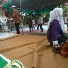 Photo taken at Lapangan SMA Negeri 5 Semarang by Rosyida A. on 7/28/2012