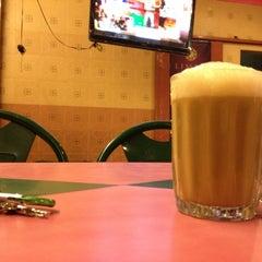 Photo taken at Nasi Kandar Subaidah by azaharjaafar™ on 3/15/2012