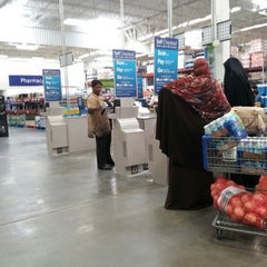 Photo taken at Sam's Club by Dtm F. on 8/17/2012