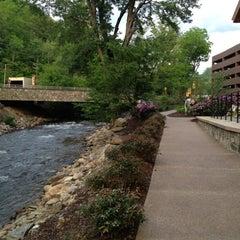 Photo taken at Harrah's Cherokee Casino & Resort by Rosalina J. on 4/29/2012