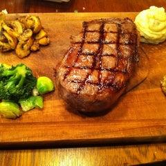 Photo taken at Günaydın Kasap & Steakhouse by Onur G. on 3/9/2012