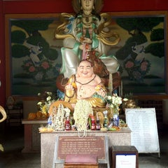 Photo taken at วัดชัยมงคล (Wat Chai Mongkol) by Jay Poom C. on 6/4/2012