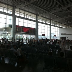 Photo taken at 苏州园区站 Suzhou Industrial Park Railway Station by Big Roy on 7/28/2012
