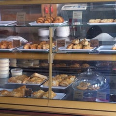 Photo taken at Antojos Araguaney Gourmet by Amanda R. on 8/4/2012