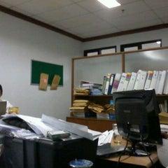 Photo taken at Fakultas Bisnis Telekomunikasi dan Media by pagi m. on 3/26/2012