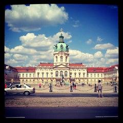 Das Foto wurde bei Schloss Charlottenburg von Megumi am 5/27/2012 aufgenommen