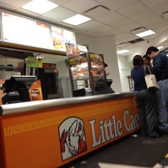 Photo taken at Little Caesars by Jorge I. F. on 3/13/2012