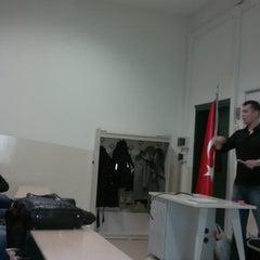 Photo taken at İzmir Ekonomi Üniversitesi M Blok by Orhun 🐐💨 on 3/22/2013