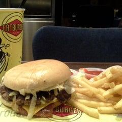 Photo taken at Fatburger by Kumala D. on 2/23/2015