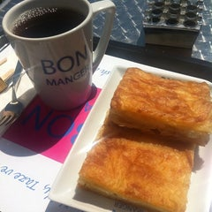 Photo taken at Bon Manger by Nurgül K. on 4/26/2012