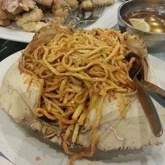 Photo taken at Golden Century Seafood Restaurant by Wijati S. on 6/8/2013