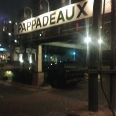 Photo taken at Pappadeaux Seafood Kitchen by Deep S. on 3/10/2013