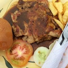 Photo taken at Gou Lou Mamak & Western Food (高佬妈妈档) by Bear B. on 7/26/2014