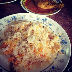 Photo taken at Restoran Ismail by Alfian A. on 9/29/2012