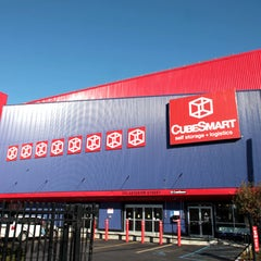 Photo taken at CubeSmart Self Storage by Jessie H. on 7/24/2015