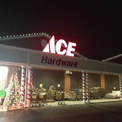 Photo taken at Rick's Ace Hardware by Manuel H. on 12/27/2012