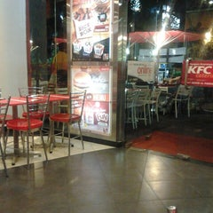 Photo taken at KFC by Evans A. on 9/23/2014