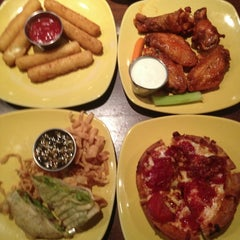 Photo taken at Uno Pizzeria & Grill - Exton by Brian S. on 1/17/2013