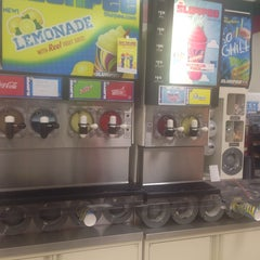 Photo taken at 7-Eleven by Zan E. on 7/13/2014
