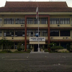 Photo taken at Telkom Engineering School (TES) by akhmad h. on 1/31/2013