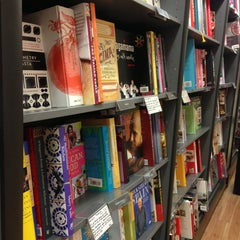 Photo taken at Waterstones by Gogi M. on 6/10/2013