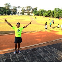 Photo taken at Lapangan Gasibu by Nevespugly on 5/28/2015