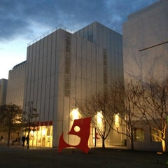 Photo taken at High Museum of Art by Melina B. on 2/15/2013