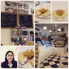 Photo taken at Park Avenue Desserts by Lorie del Rosario on 5/16/2015