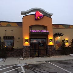 Photo taken at Taco Bell by Michael D. on 3/7/2014