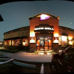 Photo taken at Taco Bell by Michael D. on 10/20/2012