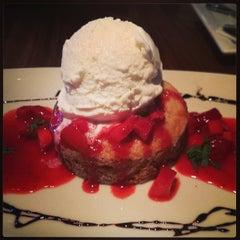 Photo taken at Lazy Dog Restaurant & Bar by Brian W. on 7/18/2013