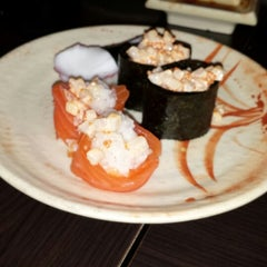 Photo taken at Wonder Sushi by Bertha D. on 1/6/2015