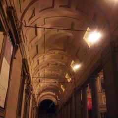 Photo taken at Galleria degli Uffizi by Chiara Z. on 5/18/2013