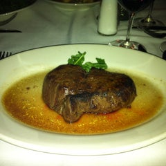 Photo taken at Morton's The Steakhouse by L-Krub J. on 4/11/2013