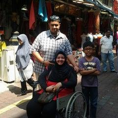 Photo taken at Pasar Malam Jalan Tuanku Abdul Rahman by SNoorAin M. on 3/18/2013