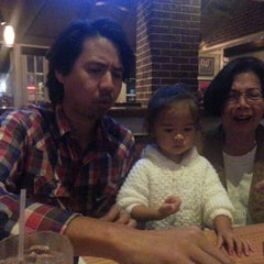 Photo taken at Chili's Grill & Bar by Valentino V. on 3/5/2014