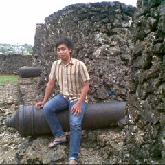 Photo taken at Keraton Buton by @Ilhamns on 3/27/2014