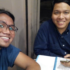 Photo taken at OldTown White Coffee by Muhammad A. on 12/23/2014