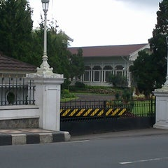 Photo taken at Istana Kepresidenan Cipanas by Handy S. on 5/6/2014