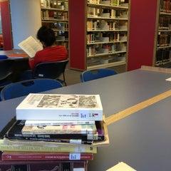 Photo taken at Biblioteca USBI by Susi G. on 4/3/2013