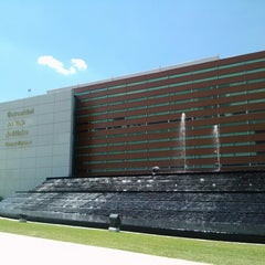 Photo taken at Universidad del Valle de México (UVM Campus Zapopan) by Teresa R. on 10/3/2012