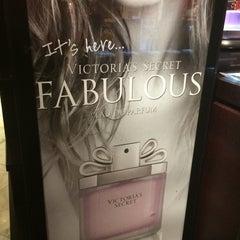 Photo taken at Victoria's Secret PINK by Mesa D. on 3/26/2015