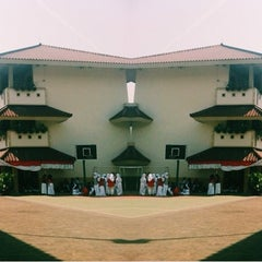 Photo taken at SMAN 62 Jakarta by Maharani Citra R. on 8/18/2014
