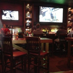 Photo taken at Lee Roy Selmon's by Renee C. on 3/31/2013