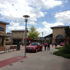 Photo taken at Round Rock Premium Outlets by Lisa S. on 6/24/2013