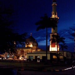 Photo taken at Masjid Agung An-Nur by Agung S. on 7/30/2013
