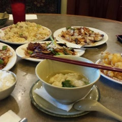 Photo taken at Cafe Noodle Chinese BBQ & Seafood by Joy R. on 10/4/2013